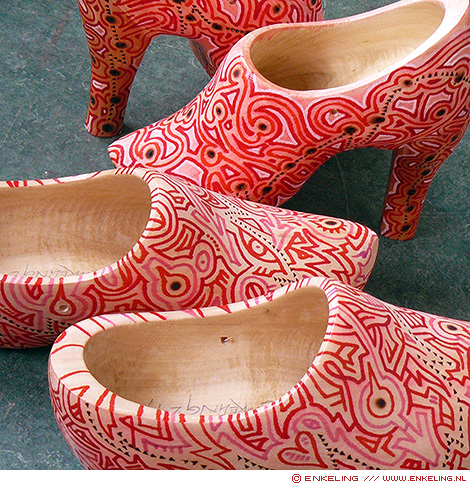 wooden art shoes, wooden shoes, clogs, painted, exhibition, markers, paint, patterns, Enkeling, 2019